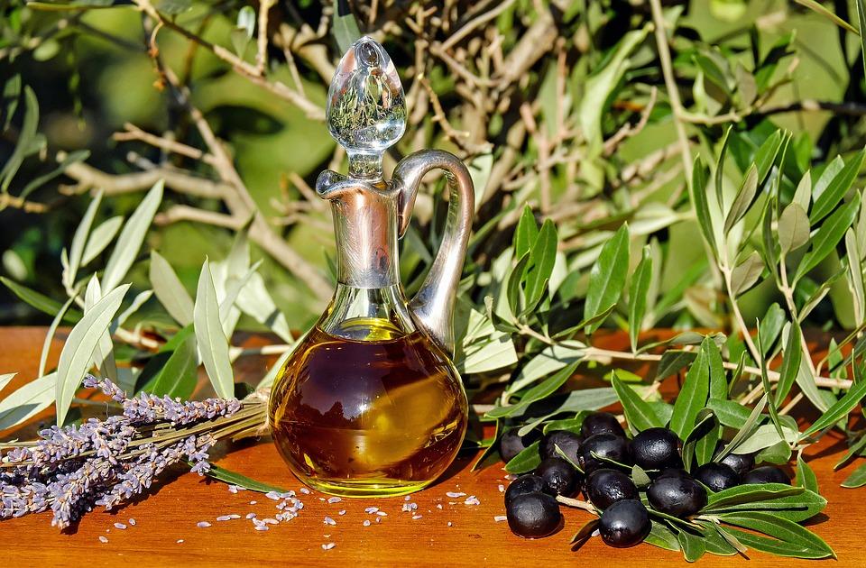 Olio Extra Vergine D Oliva Benefici Nutrizionali La Cura Della Pelle E Dei Capelli Sapere Online